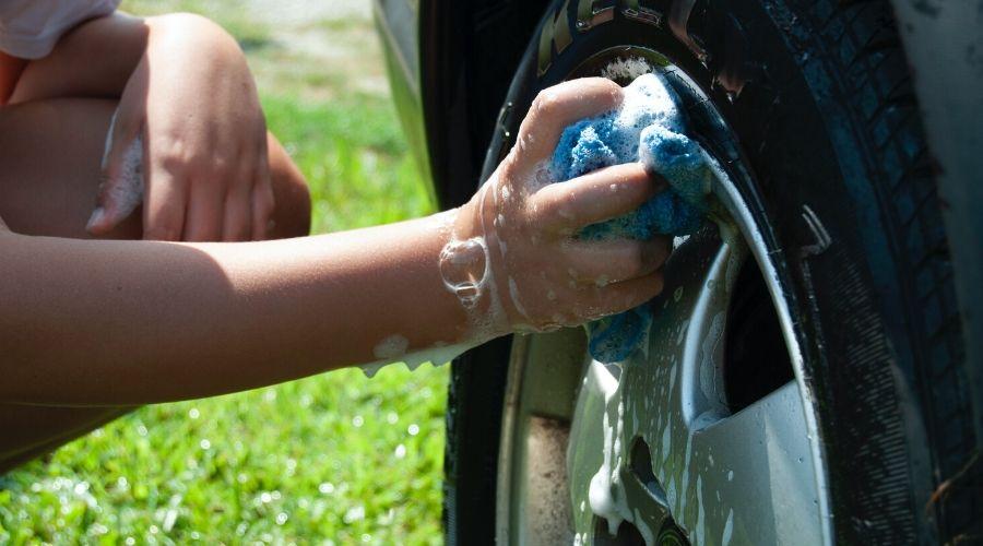 Autolavado en casa ¿Cómo limpiar tu carro?