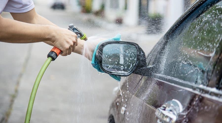 Cómo lavar carros por dentro
