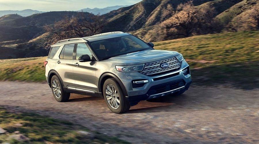 De Sedán a un SUV Ford: Estilo, Lujo y Sofisticación