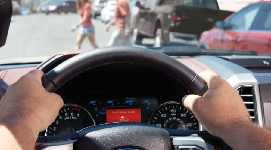 Carros más seguros: mantenimiento de carril