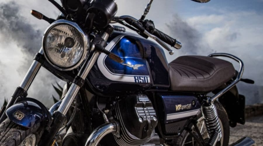 Motocicleta italiana Moto Guzzi poderoso motor