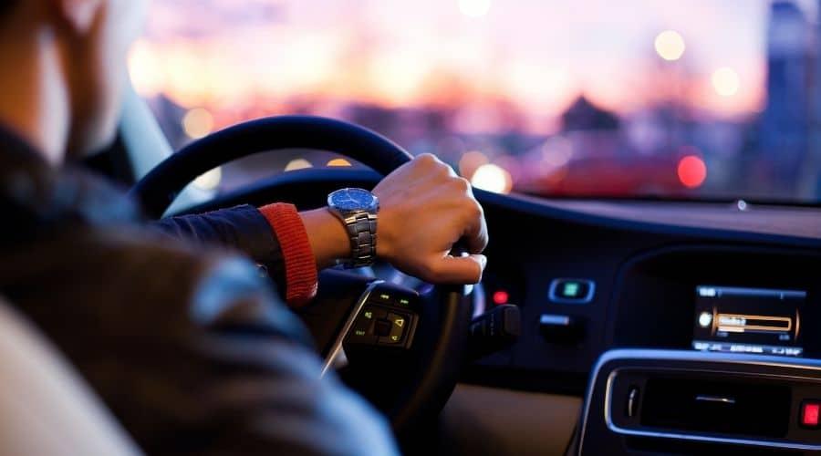 Herramientas y carros usados a crédito