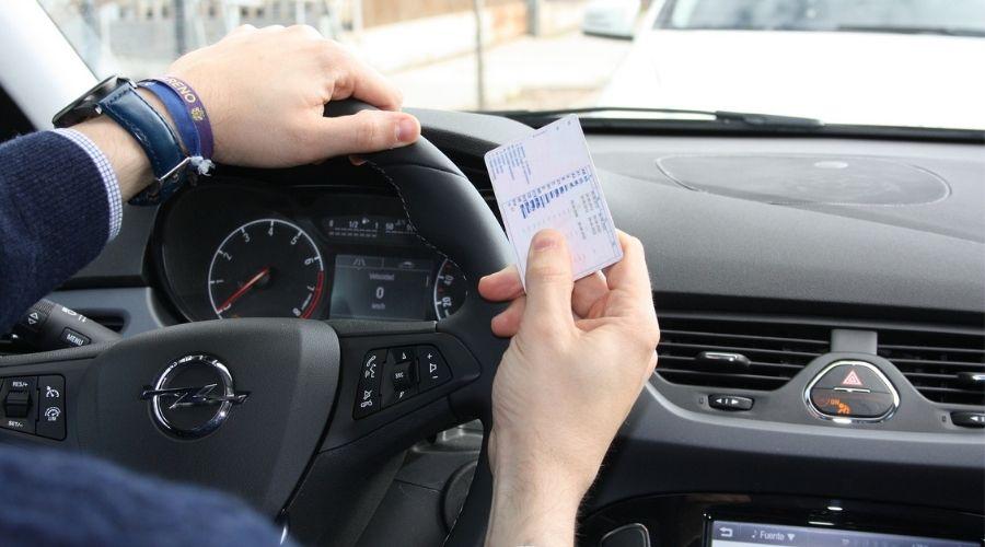 Licencia de conducción: ¿Qué necesita tu hijo para tramitarla?